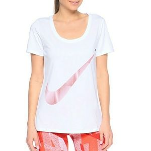 NWT Nike Logo Short Sleeve Top